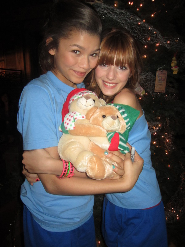 and-Zendaya-at-the-Shake-it-Up-cast-Christmas-Party-bella-avery-thorne    Zendaya And Bella Thorne Shake It Up